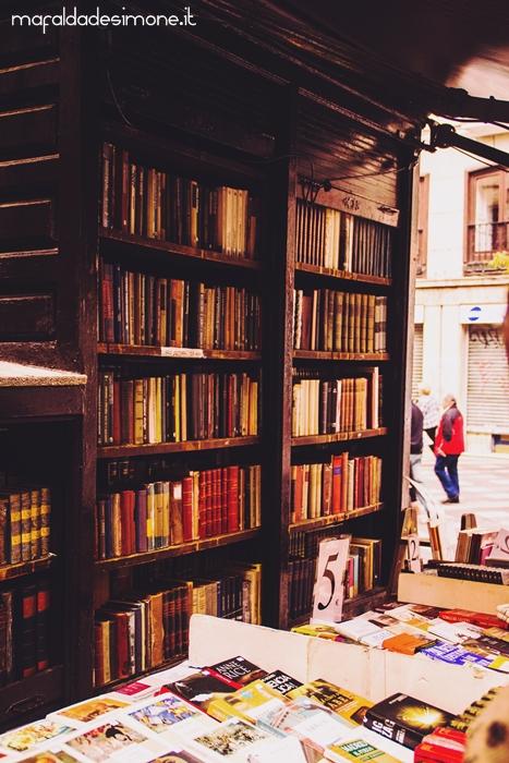 Puerta del sol e pasadizo de san gin s madrid for Libreria puerta del sol